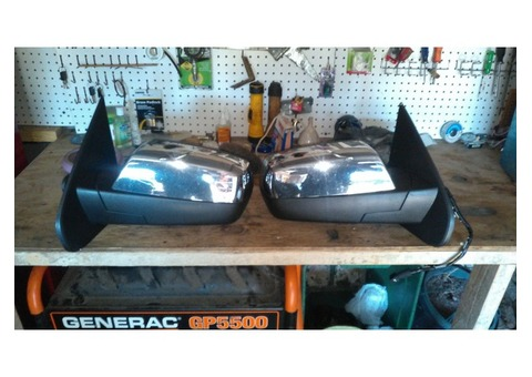 2015 GMC Sierra Set of Factory Mirrors Excellent condition,